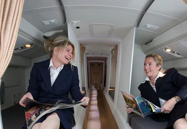 Video: Đột nhập phòng ngủ... quan tài của Boeing 777