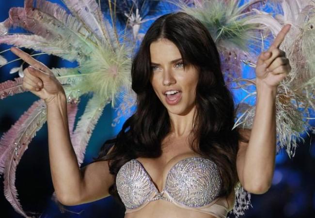 Video: 7 ngày của 'thiên thần' Victoria's Secret