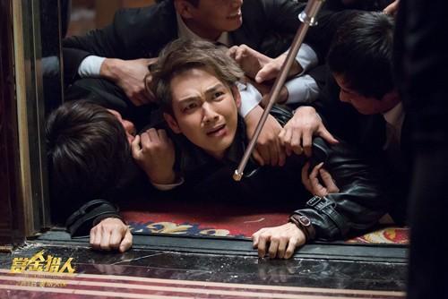 Chung Hán Lương vào vai chàng trai hậu đậu, ham ăn, mang lại nhiều tình tiết hài hước trong tác phẩm.