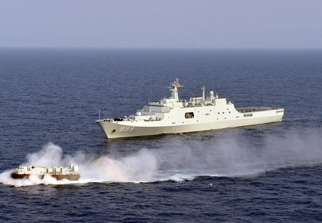 Tàu đổ bộ, chiến đấu của Hải quân Trung Quốc tập trận phi pháp gần quần đảo Hoàng Sa (ảnh minh họa).