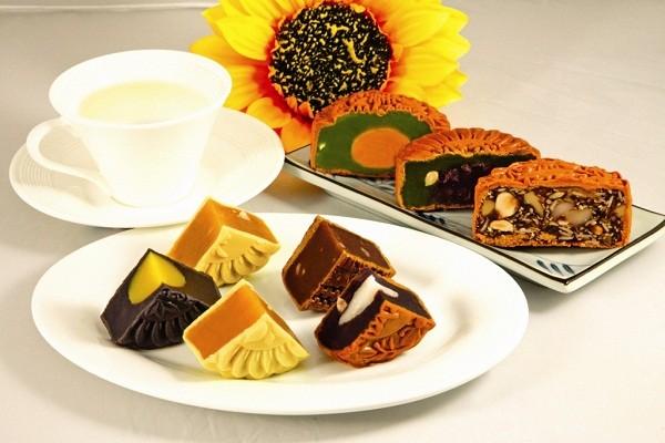 Nhiều bạn trẻ Mỹ nghĩ rằng bánh Trung thu là món ăn hoàng tộc.