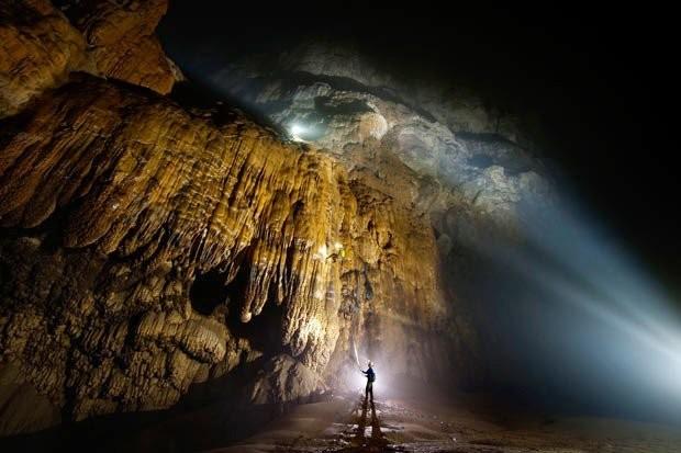 Không chỉ nổi tiếng về kích thước khổng lồ mà hang Sơn Đoòng còn được biết tới bởi sự đa dạng trong cảnh quan sinh vật.