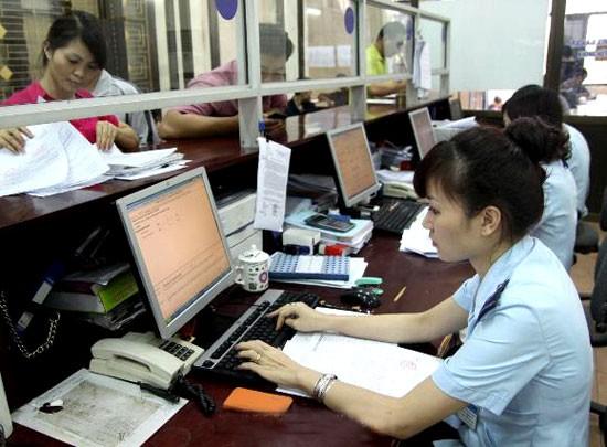 Đẩy mạnh ứng dụng CNTT phục vụ người dân và doanh nghiệp, nhằm giảm thiểu thời gian phải đến trực tiếp cơ quan nhà nước thực hiện các thủ tục hành chính.