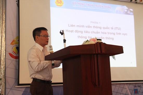 Ông Đinh Quang Trung, Phó Vụ trưởng Vụ Khoa học Công nghệ - Bộ TT&TT phát biểu tại Hội thảo