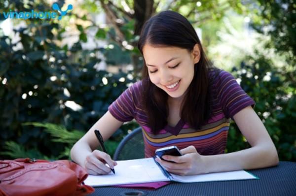 """Đăng ký một trong hai gói 3G ngày D2 và D7 giúp bạn có thể lướt mạng """"tẹt ga"""" chỉ hết từ 7.000 đồng đến 10.000 đồng/ngày"""