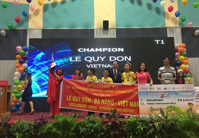 Học sinh trường Trần Cao Vân là một 2 đội giành giải Vô địch Robothon quốc tế.
