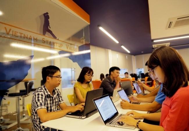 """Đề án """"Vườn ươm doanh nghiệp CNTT đổi mới sáng tạo Hà Nội"""" đặt mục tiêu cụ thể là một chu kỳ ươm tạo (3 năm) tiếp nhận tối thiểu 12 doanh nghiệp khởi nghiệp, kết quả ươm tạo đạt 70% doanh nghiệp có khả năng tồn tại và thành công tốt nghiệp vườn ươm."""