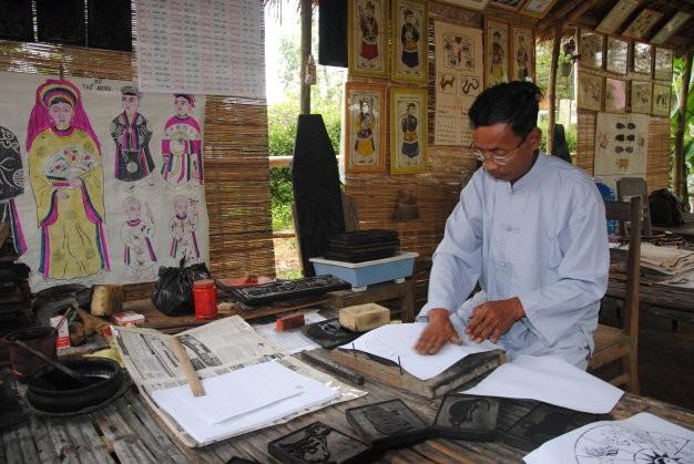 Làng Sình chuẩn bị sản phẩm cho Festival Nghề truyền thống Huế. Ảnh: Thuathienhue.gov.vn.