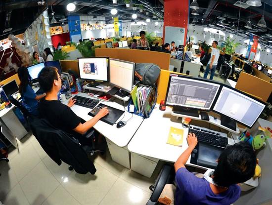Việc tìm kiếm kỹ sư công nghệ thông tin người Việt giỏi ngoại ngữ thực sự đang là vấn đề rất nan giải đối với các doanh nghiệp nước ngoài vào Việt Nam hoạt động. Ảnh minh hoạ: Internet.