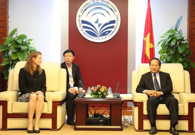 Bộ trưởng Bộ TT&TT Trương Minh Tuấn tiếp và làm việc với Đoàn đại biểu cấp cao Facebook.