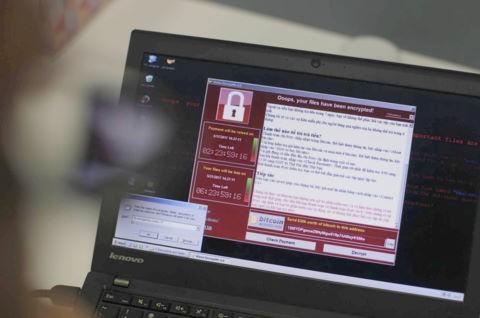 Tính đến chiều 16/5, tại Việt Nam đã có hơn 1.900 máy tính bị lây nhiễm mã độc tống tiền WannaCry. Ảnh minh hoạ: BBC.