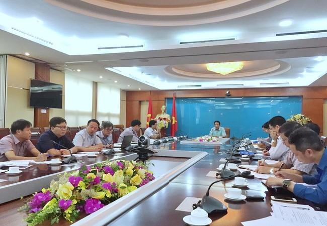 Toàn cảnh cuộc họp dưới sự chủ trì của Thứ trưởng Bộ TT&TT Hoàng Vĩnh Bảo, Trưởng Ban Soạn thảo Nghị định thay thế Nghị định số 159/2013 của Chính phủ.