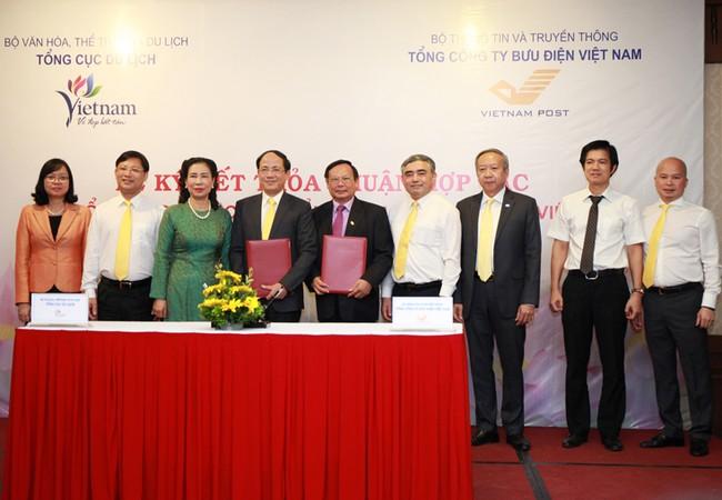 Lễ ký thỏa thuận hợp tác giữa Tổng công ty BĐVN và Tổng cục Du lịch.