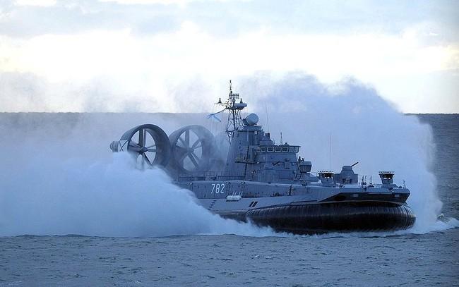 Tàu đổ bộ đệm khí trong cuộc tập trận Zapad 2013