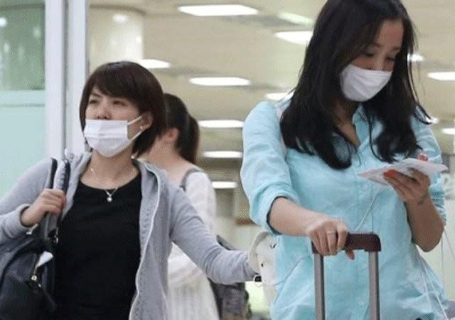 Phụ nữ Hàn Quốc mang khẩu trang chống lây nhiễm virus MERS