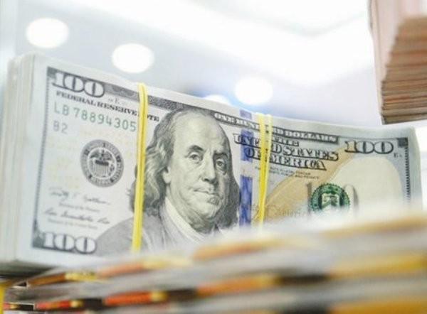 Lần đầu tiên sau sáu tháng, NHNN đã bán đô la Mỹ ra thị trường.