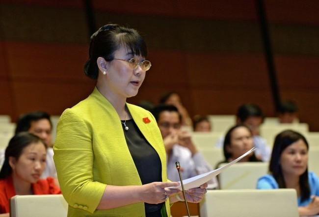 Đại biểu Nguyễn Thị Nguyệt Hường (Hà Nội) đề nghị bỏ thu thuế môn bài