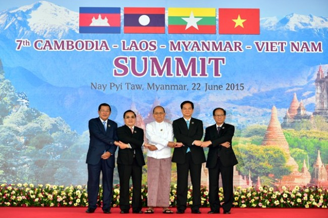 Thủ tướng Nguyễn Tấn Dũng cùng Lãnh đạo các nước Campuchia, Lào, Myanmar và Tổng Thư ký ASEAN Lê Lương Minh