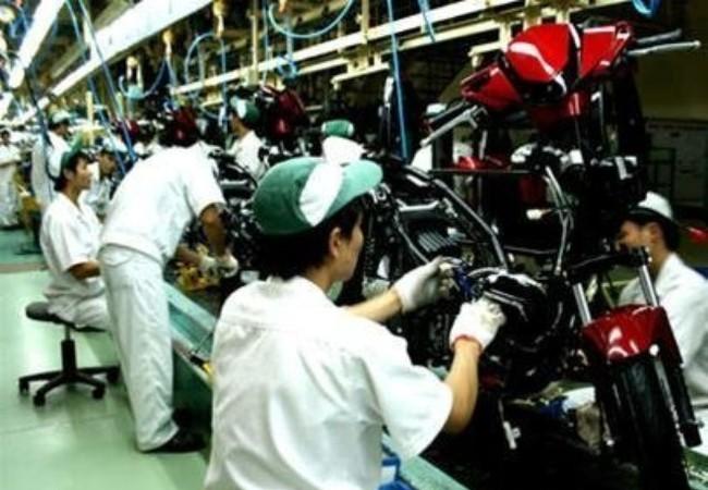 Lắp ráp xe máy tại Nhà máy Honda VN