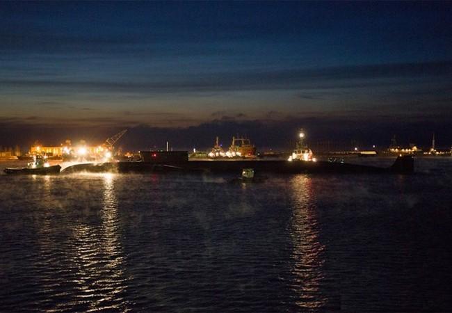 Tối 12.11, tàu ngầm hạt nhân lớp Dự án 955 Borei, chiếc Vladimir Monomakh rời căn cứ, ra biển Bạch Hải