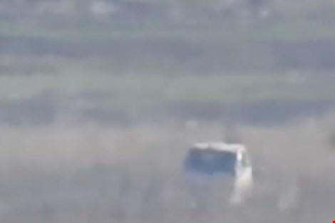 Hình ảnh chiếc xe tải trước khi bị tiêu diệt