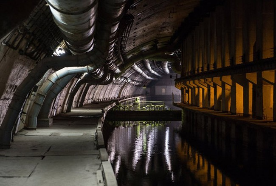Video khám phá căn cứ tàu ngầm tối mật tại Crimea - Nga