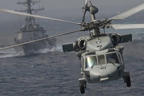 """Video Uy lực đáng sợ trực thăng """"diều hâu đen"""" UH-60 của Mỹ"""