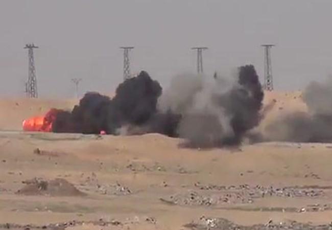 Video Quân đội Iraq tiêu diệt xe bom cảm tử của IS ở Samarra