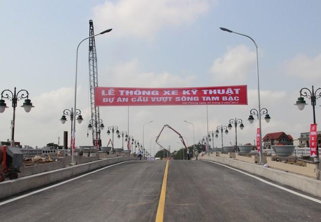 Lễ thông xe kỹ thuật cầu vượt sông Tam Bạc, Hải Phòng