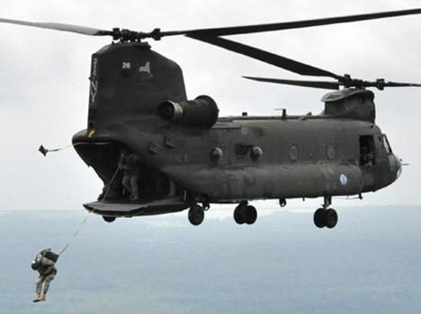 Video: Cảnh đặc nhiệm Mỹ nhảy tự do từ trực thăng Chinook
