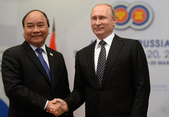 Tổng thống Nga Vladimir Putin và Thủ tướng Việt Nam Nguyễn Xuân Phúc.