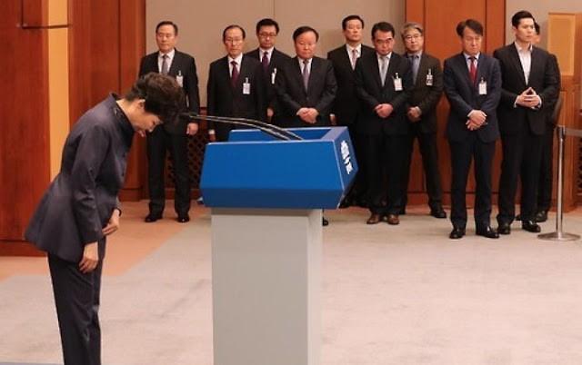 Tổng thống Hàn Quốc Park Geun-hye tiếp tục xin lỗi người dân sau khi bị bị đình chỉ chức vụ (ảnh minh họa, tư liệu).