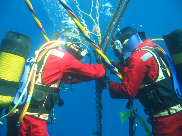 Tuyến cáp quang biển gặp sự cố trong khoảng 1,5 tháng làm ảnh hưởng đến Internet của Việt Nam