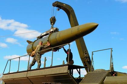 Tên lửa đạn đạo tầm ngắn Iskander có thể mang đầu đạn hạt nhân của Nga