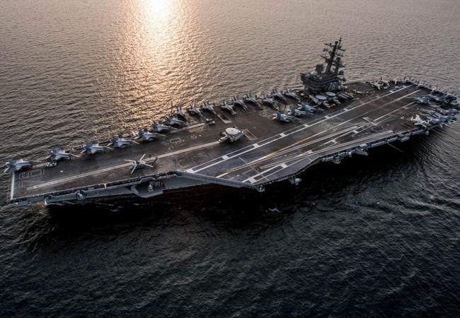 Tàu sân bay USS Ronald Reagan của Mỹ