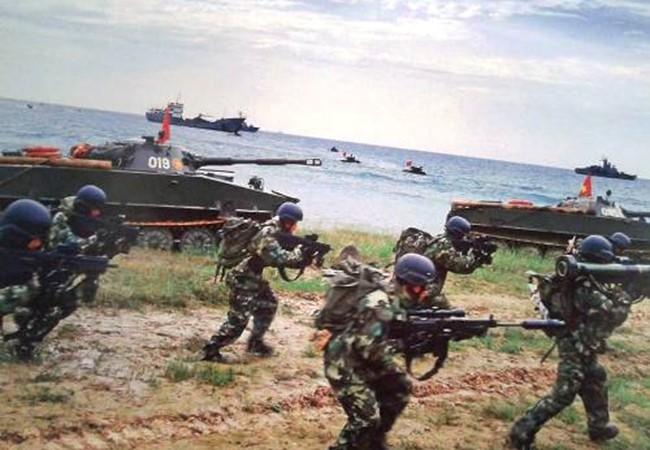 Lực lượng hải quân đánh bộ Việt Nam diễn tập thực binh