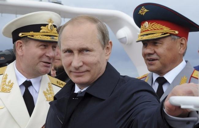 Tổng thống Nga Putin đang chèo lái nước Nga qua giai đoạn khó khăn