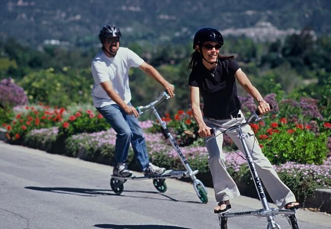 Trikke- Vừa lướt cùng chiếc scooter điện vừa tập thể dục