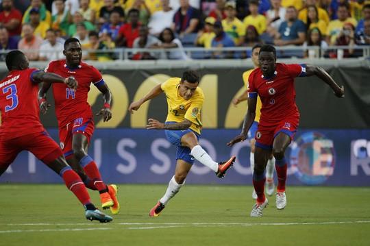 Brazil - Haiti: Cơn mưa 8 bàn thắng