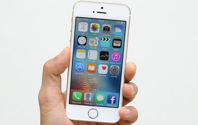 iPhone SE giảm giá sốc 3 triệu đồng đón iPhone 7
