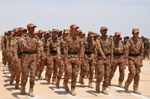 Lực lượng tình nguyện Iraq tham gia chiến dịch chống IS. Ảnh: AFP/TTXVN