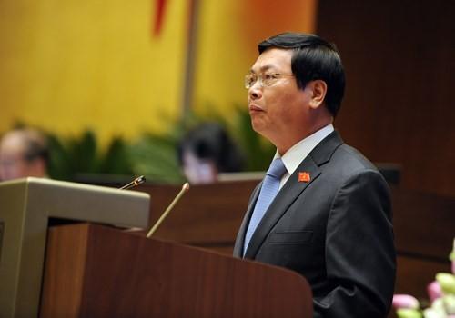 Bộ trưởng Vũ Huy Hoàng trả lời chất vấn chiều 11.6 - Ảnh: Ngọc Thắng