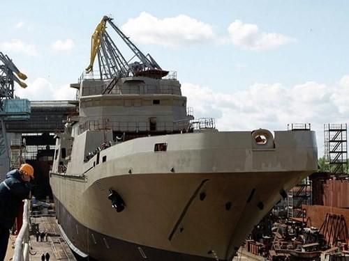Chiếc tàu đổ bộ lớp Ivan Gren đầu tiên tại xưởng đóng tàu Yantar