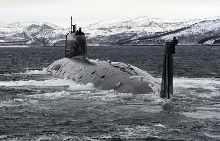 Hiện đã có 1 chiếc tàu ngầm lớp Yasen được đưa vào biên chế của Hải quân Nga và 4 chiếc khác đang trong quá trình đóng.