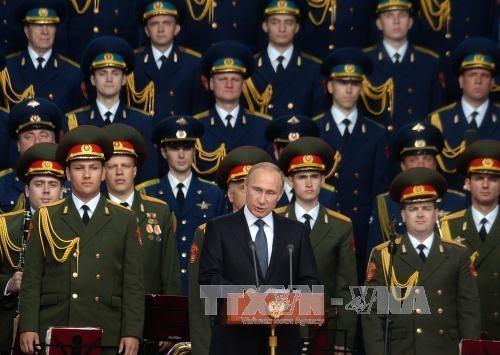 Tổng thống Nga Vladimir Putin phát biểu tại lễ khai mạc Triển lãm vũ khí và quân sự quốc tế Army 2015. Ảnh: AFP/TTXVN