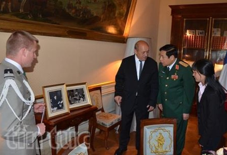 Hai bộ trưởng đều nhận định hợp tác quốc phòng song phương thời gian qua đã có những bước phát triển tích cực.