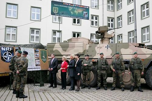 Cả NATO và Mỹ đều tuyên bố về việc tang cường sự hiện diện quân sự tại Đông Âu. Ảnh: Reuters
