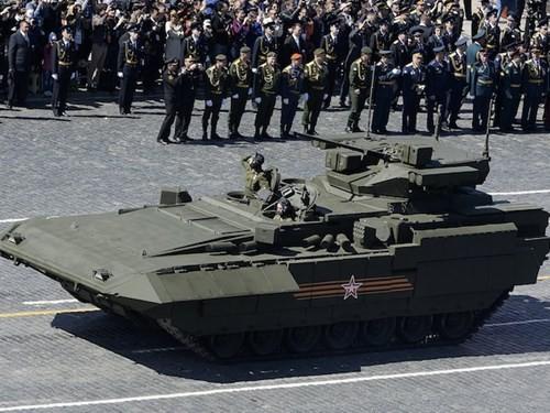 Armata T-15 có nhiều tính năng ngang ngửa với xe tăng T-14