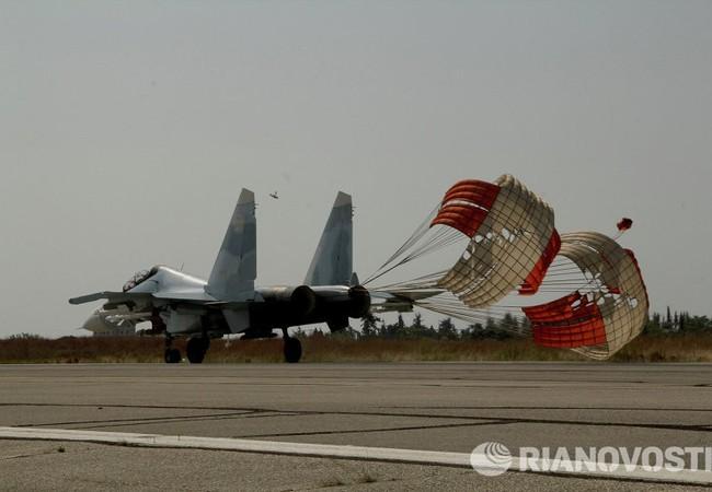 """Chùm video không kích """"nhà nước Hồi giáo"""" do Bộ quốc phòng Nga công bố"""