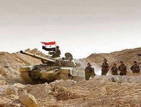 Dưới hỏa lực Nga - Bộ binh, xe tăng Syria giành từng mét đất từ tay khủng bố